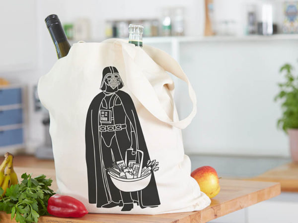 Tasche witziger Baumwollbeutel Shopper Organic Cotton Fair Trade Darth Natur Schwarz befüllt