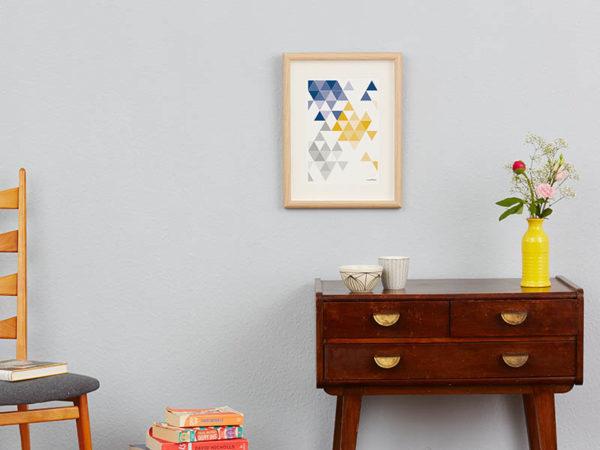 geometrisches Poster minimalistisches Poster Dreiecke Martinesk blau gelb grau A4 Wand