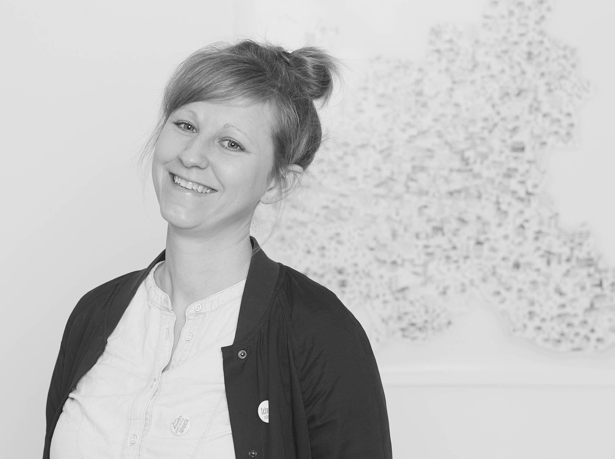 Martina Olonschek Frau Schnobel Grafik Rapü Design Portrait