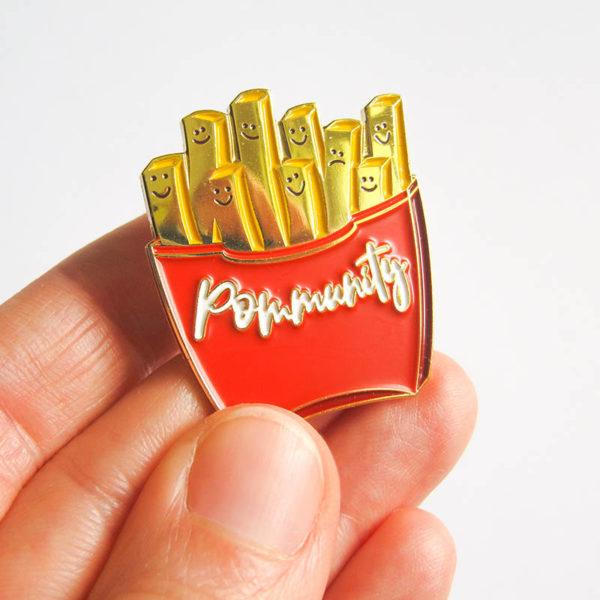Rapü Design Martina Olonschek Pommes Pin Pommunity Pommes Brosche